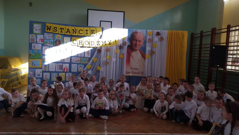 Dzień Papieski – akademia